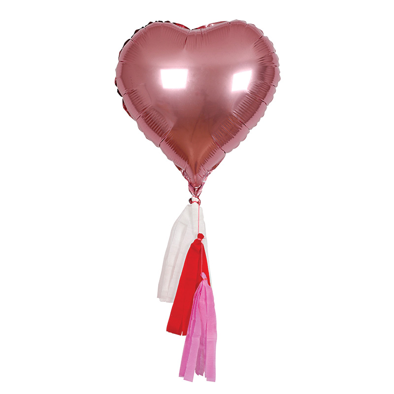 Acht-Herzballons-mit-Quasten